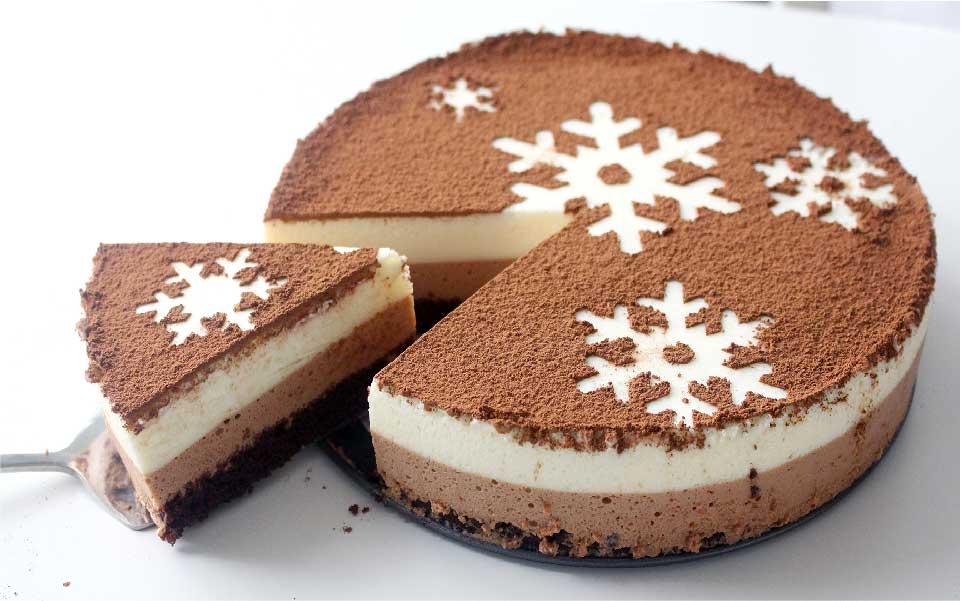 استفاده از پودر کاکائو برای تزیین کیک